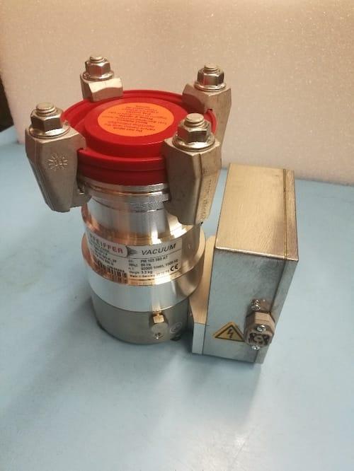 Turbomolekulární vývěva TMH 071 P